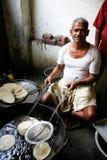 El cocinar del hombre Imagen de archivo