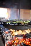 El cocinar del kebab y de la verdura Fotos de archivo libres de regalías
