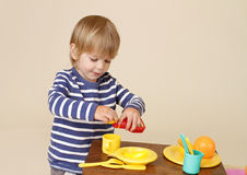 El cocinar del niño Imágenes de archivo libres de regalías