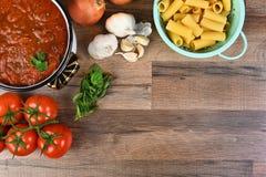 El cocinar italiano con el espacio de la copia Foto de archivo