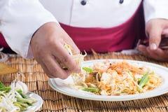 El cocinero adornó el menú tailandés del cojín Foto de archivo libre de regalías