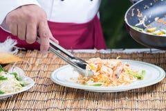 El cocinero adornó el menú tailandés del cojín Fotos de archivo