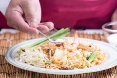 El cocinero adornó el menú tailandés del cojín con el azúcar Fotografía de archivo libre de regalías