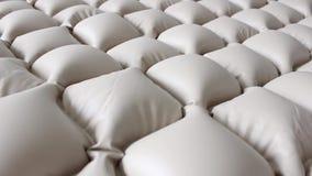 El colchón especial que no permite encentaduras infló el aire metrajes