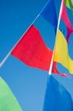 El colgar en las banderas del día de fiesta del viento Fotos de archivo libres de regalías