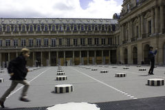 El Colonnes de Buren en París Fotografía de archivo