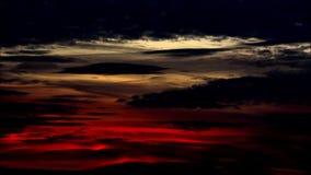 El color de la tarde se nubla en Falkensee, Brandeburgo Alemania almacen de metraje de vídeo