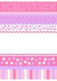 El color de rosa raya la tarjeta de la invitación Fotos de archivo