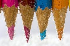El color dibujó a lápiz macro con las burbujas Foto de archivo libre de regalías