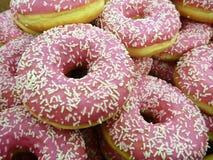 El color redondo dulce adornó los anillos de espuma Foto de archivo