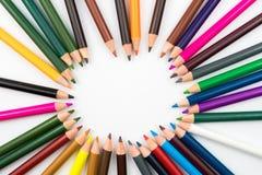 El colorante dibujó a lápiz en el círculo aislado en el fondo blanco Fotografía de archivo libre de regalías