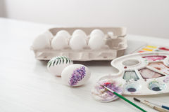 El colorante eggs los colores para Pascua, ejemplo botánico Foto de archivo libre de regalías