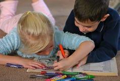El colorear de los niños Fotografía de archivo