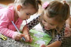 El colorear en casa Educación Desde arriba de Imagenes de archivo