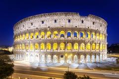 El Colosseum en la noche, Roma Imagen de archivo