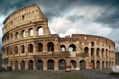 El Colosseum en un día tempestuoso Foto de archivo