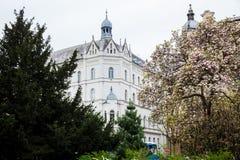 El comenzar de la primavera en el parque hermoso de Zrinjevac el m?s viejo de la ciudad m?s baja en Zagreb imágenes de archivo libres de regalías