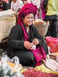 El comercio para la población de Birmania es la fuente de ingresos principal Fotos de archivo libres de regalías