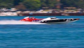 El competir con de barco costa afuera Fotos de archivo libres de regalías
