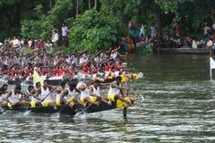 El competir con de barco de la serpiente Fotografía de archivo