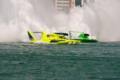 El competir con de barco del campeonato del mundo de la taza H1 del Oryx imagenes de archivo