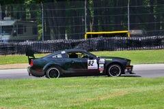 El competir con de la fábrica de Ford Mustang Foto de archivo