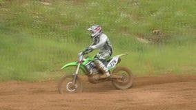 El competir con de la motocicleta almacen de metraje de vídeo