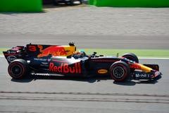 El competir con de Red Bull Foto de archivo libre de regalías