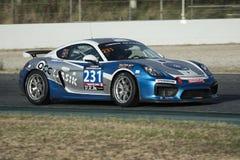 El competir con del equipo OCC Lasik Porsche Cayman GT4 Clubsport 24 horas de Barcelona Imagen de archivo