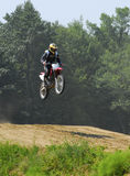 El competir con del motocrós Foto de archivo