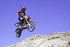 El competir con del motocrós Imagen de archivo libre de regalías