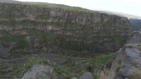 El complejo monástico de Saghmosavank en Armenia almacen de video