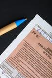 El completar el formulario de impuesto individual polaco PIT-37 por el año 2013 Imagen de archivo