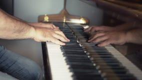 El componer de la música del piano almacen de video