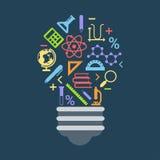 El concepto de la idea de la forma de la bombilla formó por los iconos de la educación