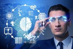 El concepto de la inteligencia artificial con el hombre de negocios imagen de archivo