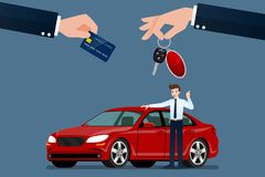 El concesionario de coches hace un intercambio, venta, alquiler entre un coche y la tarjeta del crédito del cliente foto de archivo