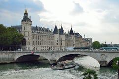 El Conciergerie, París, Francia Fotos de archivo libres de regalías