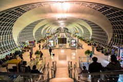 El concurso principal del aeropuerto de Suvarnabhumi Imagen de archivo libre de regalías
