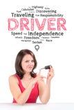 El conductor femenino joven está bajo burbuja de las emociones Foto de archivo libre de regalías