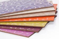 El conglomerado laminado del tablero de madera aglomerada se utiliza en los muebles ind Imagen de archivo libre de regalías