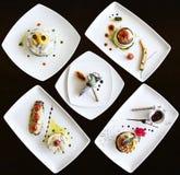 El conjunto de platos se preparó en un restaurante de lujo fotos de archivo libres de regalías