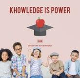 El conocimiento es concepto acertado de la graduación de la educación del poder imágenes de archivo libres de regalías