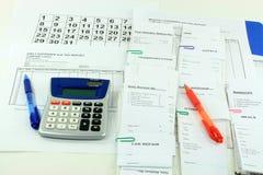 El conseguir listo para mountly el informe de los expens. Imagenes de archivo