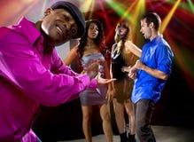 El conseguir rechazado por las muchachas en el club nocturno Fotografía de archivo