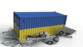 El contenedor para mercancías con la bandera de Ucrania rompe el envase con el texto de la EXPORTACIÓN Animación conceptual 3D almacen de video