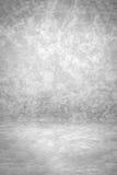 El contexto blanco y negro del estudio del Grunge con el espacio para el fondo de la presentación del vintage, 3D rinde Foto de archivo