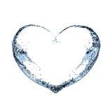 El corazón del agua salpica en el fondo blanco Fotografía de archivo libre de regalías
