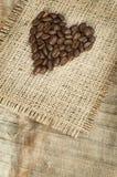 El corazón hizo los granos de café del ââof Fotografía de archivo libre de regalías