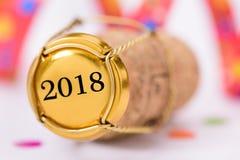 El corcho del champán con Años Nuevos fecha 2018 Imagen de archivo